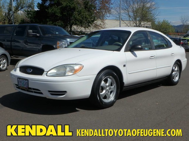 Pre-Owned 2004 Ford Taurus SES