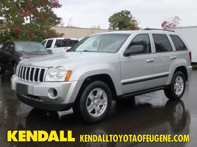 Lovely Pre Owned 2007 Jeep Grand Cherokee Laredo