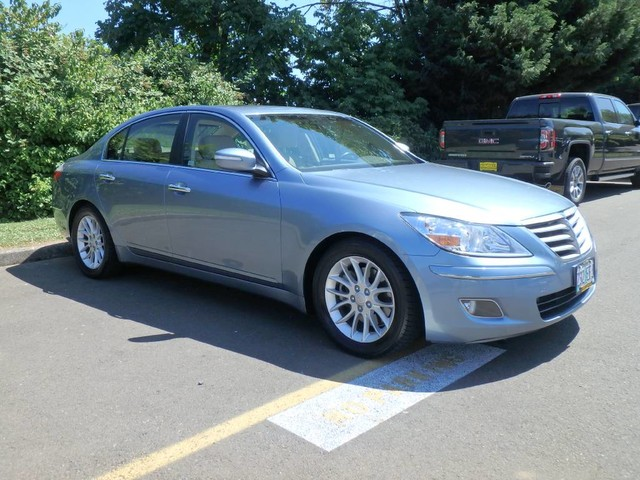 Exceptional Pre Owned 2009 Hyundai Genesis 4 DOOR SEDAN
